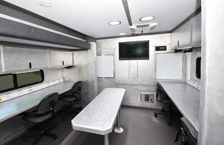 04-AT&T mobile command rescue Interior