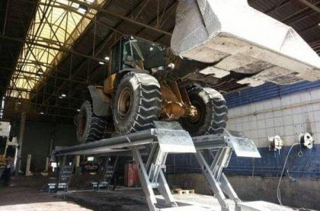 wheelloader-skylift-900×600-min.b2d28939